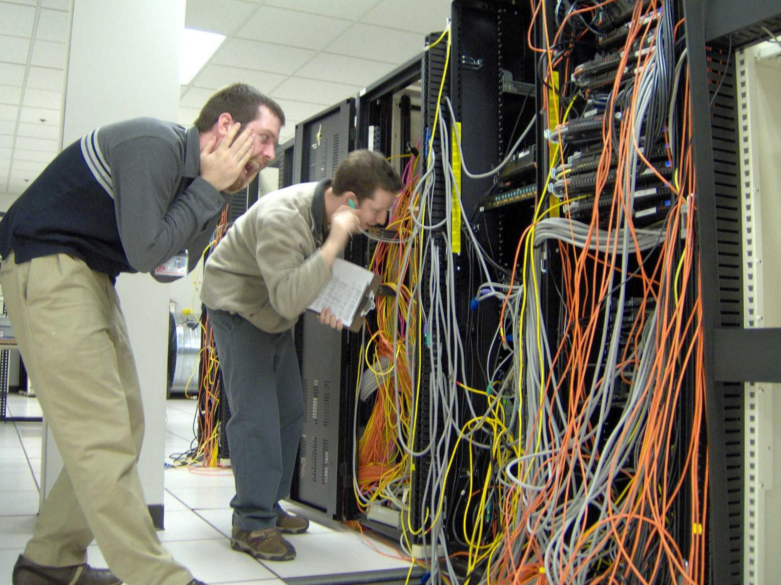 Network Wiring | Structured Network Cabling Network Cabling Data Center Cabling